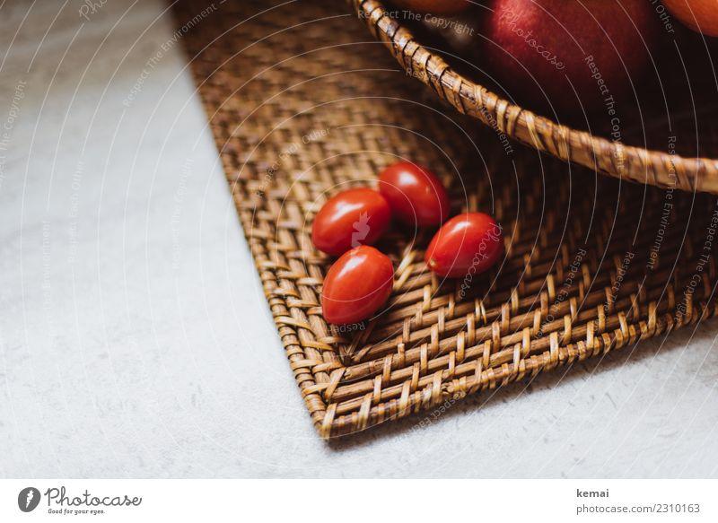Vier Freunde. Lebensmittel Gemüse Frucht Apfel Tomate Ernährung Bioprodukte Vegetarische Ernährung Korb Gesunde Ernährung harmonisch Wohlgefühl ruhig