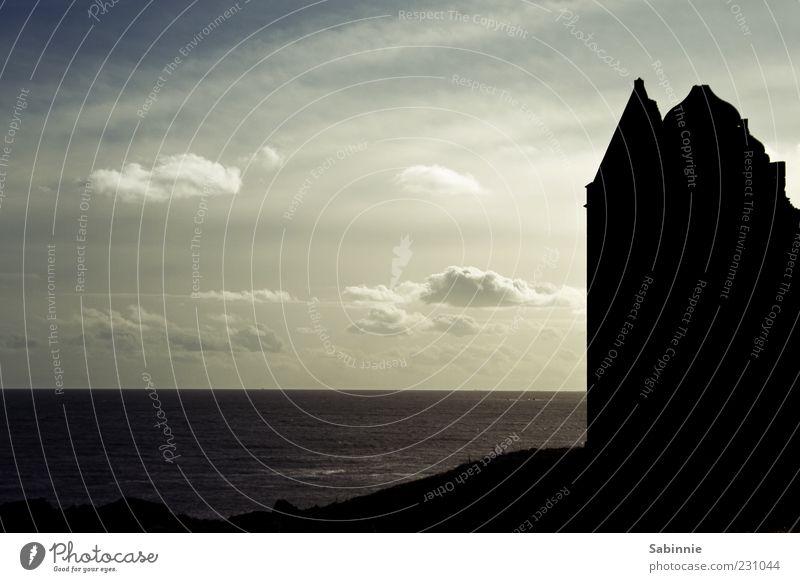 Slains Castle [# 2] Himmel Natur blau Meer Wolken schwarz Wand Architektur Stein Gebäude Küste Mauer Fassade Turm Dach Bauwerk