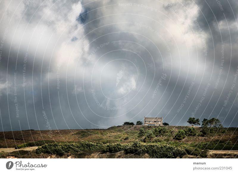 Traumhaus Himmel Natur schön Ferien & Urlaub & Reisen Wolken Einsamkeit Haus Landschaft Freiheit Sand Küste Wetter authentisch Reisefotografie Urelemente Hügel