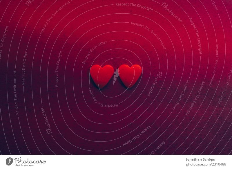 zwei Herzen auf Papier zum Valentinstag Freude Liebe Erotik Zusammensein violett rosa Gefühle Frühlingsgefühle Termin & Datum Verabredung Ehe Hintergrundbild