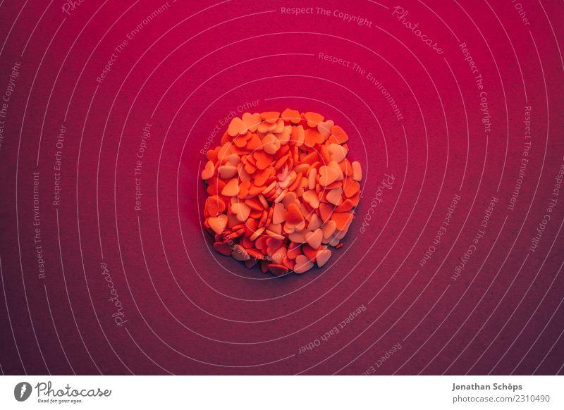Kreis aus Herzen auf Papier Freude Valentinstag Liebe Erotik violett rosa Gefühle Frühlingsgefühle Termin & Datum Verabredung Hintergrundbild Liebespaar backen