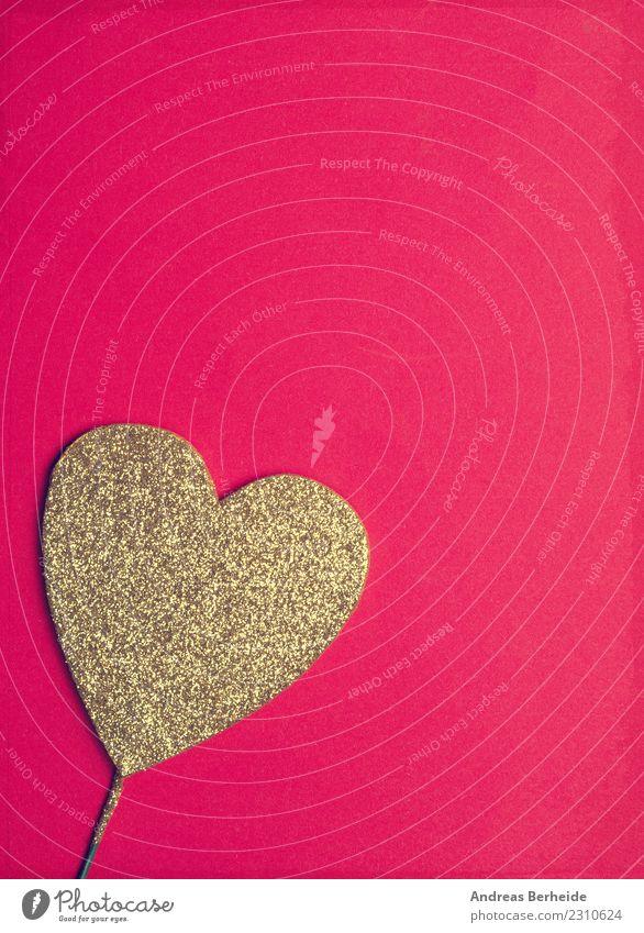Goldenes Glitzerherz auf rotem Hintergrund Design Valentinstag Geburtstag Herz Liebe Kitsch retro Sympathie Freundschaft Romantik Hintergrundbild beautiful card