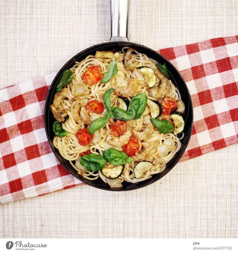 spaghetti Ernährung Lebensmittel Nudeln Gemüse lecker Mittagessen Tomate Spaghetti Pfanne Meeresfrüchte Basilikum Licht Teigwaren Mahlzeit Manuelles Küchengerät