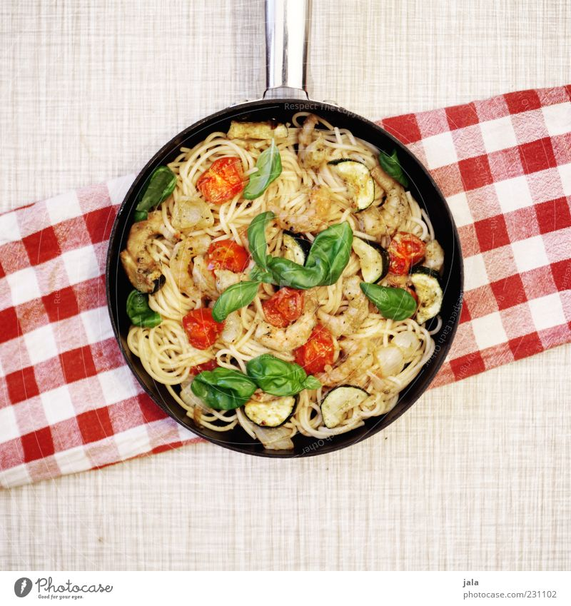 spaghetti Ernährung Lebensmittel Nudeln Gemüse lecker Mittagessen Tomate Spaghetti Pfanne Meeresfrüchte Basilikum Licht Teigwaren Mahlzeit Manuelles Küchengerät Italienische Küche