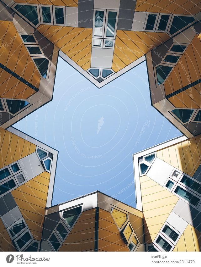 besondere Architektur in Form eines Sterns in Rotterdam; Niederlande Freiheit Sightseeing Wohnung Haus Traumhaus Baustelle Stadt Hauptstadt Stadtzentrum Skyline