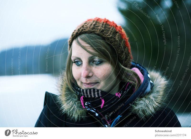 Happy Day feminin Junge Frau Jugendliche Erwachsene Leben Kopf Haare & Frisuren Gesicht Auge Nase Mund 1 Mensch 18-30 Jahre beobachten kalt Winter brünett