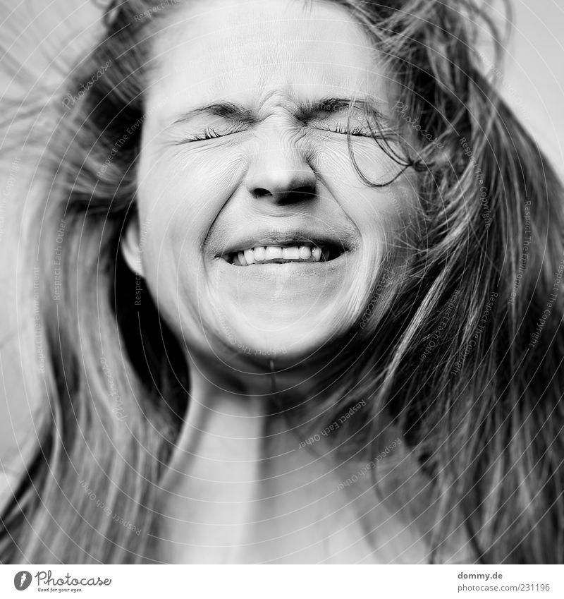 shotdown feminin Junge Frau Jugendliche Haut Kopf Haare & Frisuren Gesicht Auge Ohr Nase Mund Lippen Zähne 1 Mensch 18-30 Jahre Erwachsene langhaarig Freude