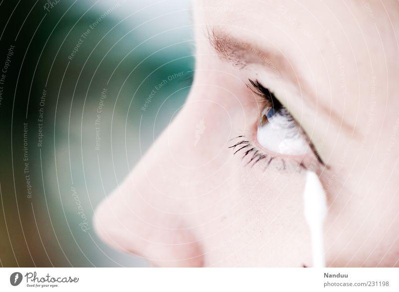 Schöner Lifestyle elegant Stil schön Körperpflege Gesicht Schminke Wimperntusche Mensch feminin Jugendliche Auge Nase 1 18-30 Jahre Erwachsene ästhetisch Watte