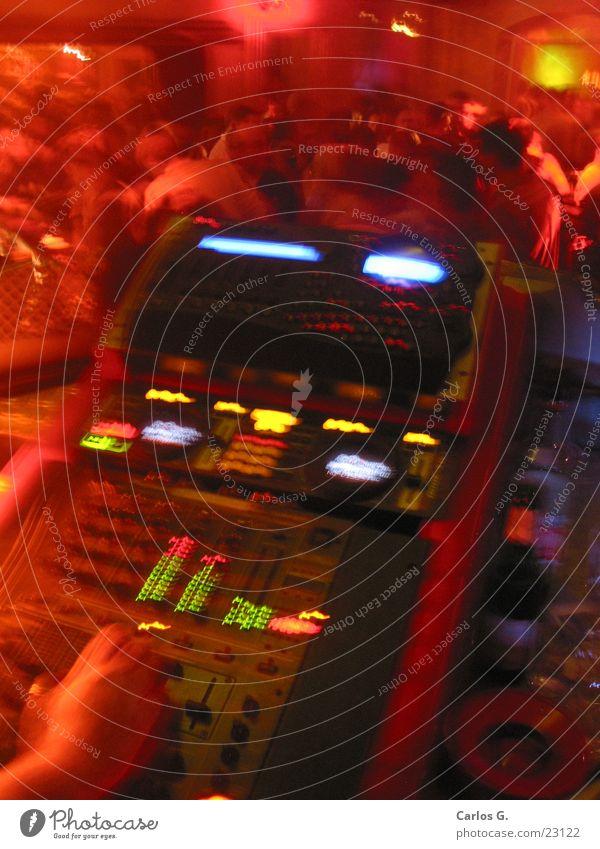 Redmixery Musikmischpult rot Party Techno Hiphop Würzburg Schallplatte Langzeitbelichtung Disco Nachtleben Electro Tanzen Technik & Technologie Partygast