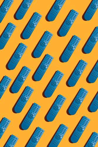 blau Farbe Spielen hell Technik & Technologie Coolness heimwärts Fernsehen Kontrolle Bildschirm abgelegen Knöpfe Konsistenz Kanal Entertainment Video