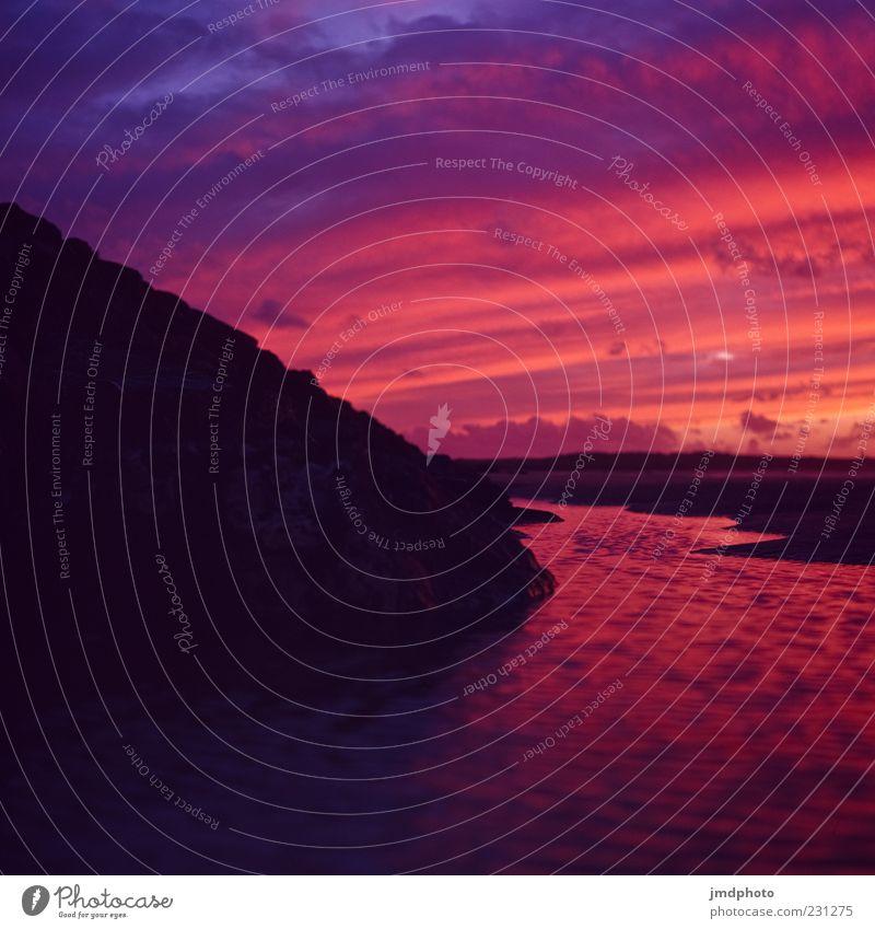 Sonnenuntergang und Strand und Pfütze und Deich Himmel blau Wasser rot Meer Sommer Wolken schwarz Ferne Landschaft Freiheit Sand Küste träumen
