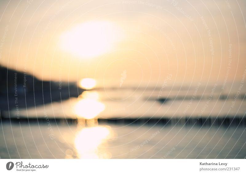 Sonnenuntergang am Meer ohne Brille Himmel Wasser Sommer Strand ruhig Ferne Wärme träumen hell Wetter glänzend frei Kitsch Unendlichkeit Schönes Wetter