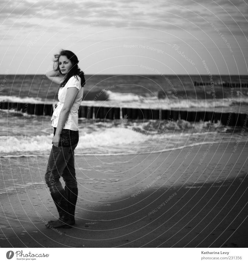 Hörst du das Rauschen? Himmel Wasser schön Ferien & Urlaub & Reisen Sommer Meer Strand Einsamkeit ruhig Erholung Umwelt Freiheit Küste träumen Wellen warten