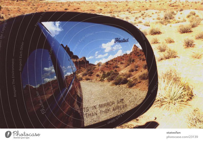 Canyonlands PKW Verkehr USA Wüste Spiegel Schlucht Utah