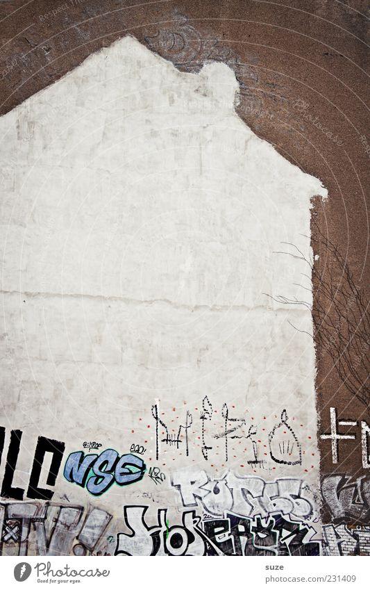Das weiße Haus alt Stadt Graffiti Wand Mauer Stein Kunst braun Fassade dreckig trist Beton kaputt Dach