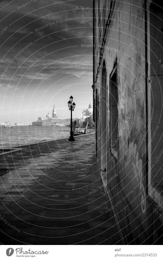 Fondamenta Croce in Venedig Ferien & Urlaub & Reisen Wasser Erholung Wolken dunkel Architektur Wand Mauer Tourismus Fassade Kirche Europa Insel einzigartig
