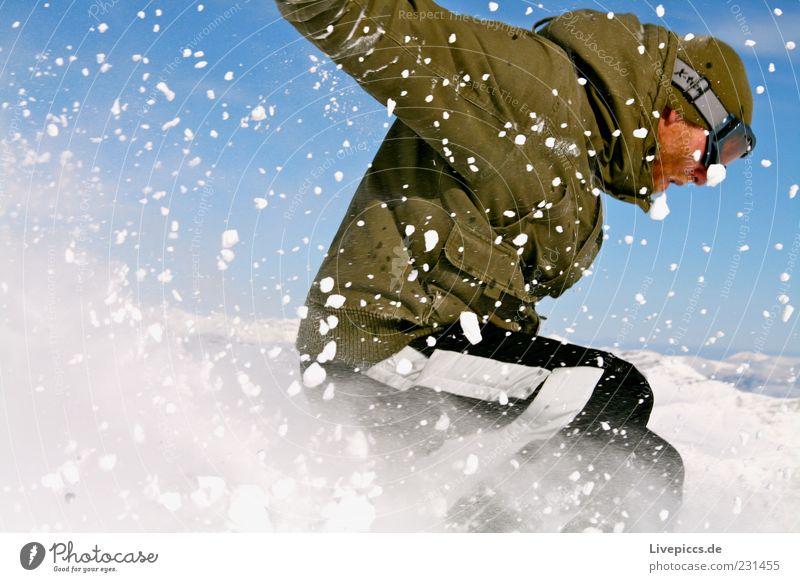 Katzensprung Mensch Ferien & Urlaub & Reisen Mann Freude Winter Berge u. Gebirge Erwachsene Schnee Sport Glück Lifestyle maskulin frei Aktion Geschwindigkeit