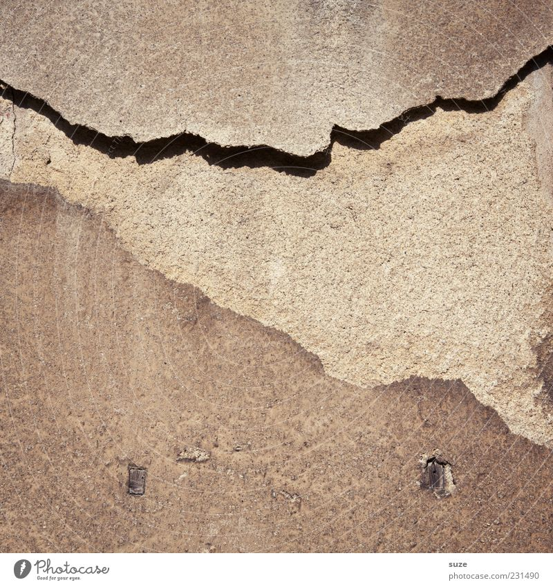 Ärmelkanal Haus Gebäude Mauer Wand Fassade alt authentisch dreckig einfach kaputt trist trocken Verfall Vergangenheit Vergänglichkeit Beton Putz Hintergrundbild