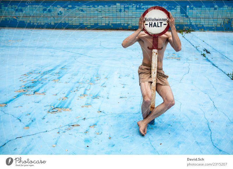 Nichtschwimmer sportlich Sommer Sport Wassersport Schwimmen & Baden Schwimmbad lernen Mensch maskulin Junger Mann Jugendliche Erwachsene Leben 1 18-30 Jahre