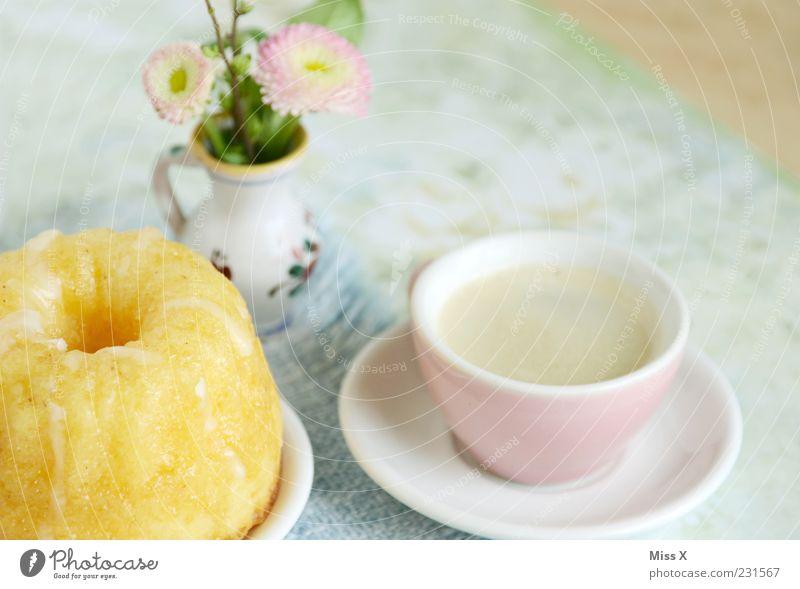 Kaffetisch Samstag Blume klein Blüte rosa Ernährung Lebensmittel Getränk süß Kaffee Kitsch Blumenstrauß Tasse lecker Kuchen Teller Backwaren