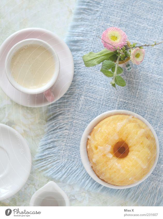 Montagstisch Blume Ernährung Lebensmittel klein Blüte Getränk süß Kaffee Kitsch Café Geschirr Kuchen Tasse Teller lecker Backwaren