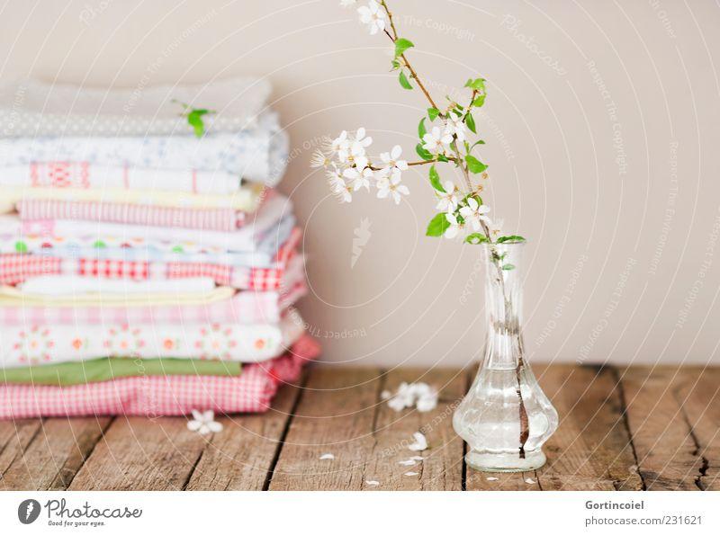 Stillleben schön Blüte Frühling Glas Dekoration & Verzierung Lifestyle Stoff zart Zweig Tisch Stapel Handtuch Vase Maserung