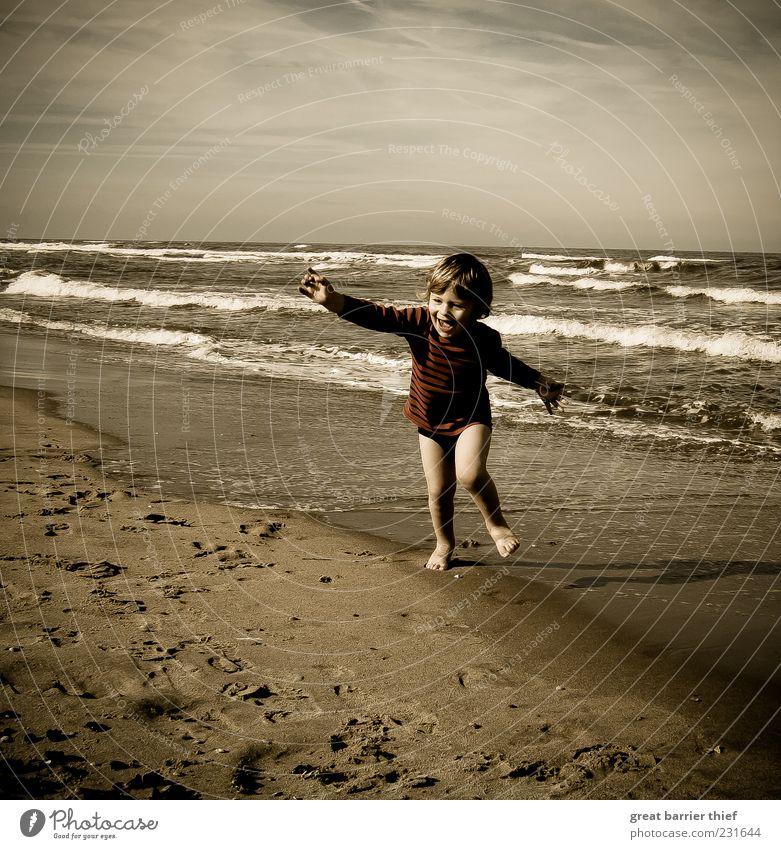 Krieger der Meere Mensch Kind Natur Wasser Ferien & Urlaub & Reisen Sommer Strand Freude Landschaft Junge Sand lachen Kindheit Wellen Wind
