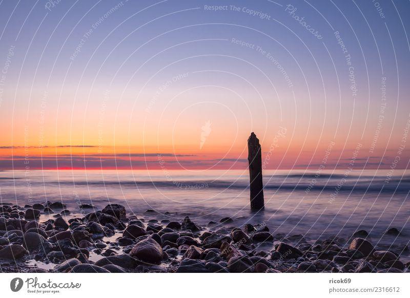 Buhnen an der Küste der Ostsee bei Kühlungsborn Erholung Ferien & Urlaub & Reisen Tourismus Strand Meer Wellen Natur Landschaft Wasser Wolken Felsen Stein Holz