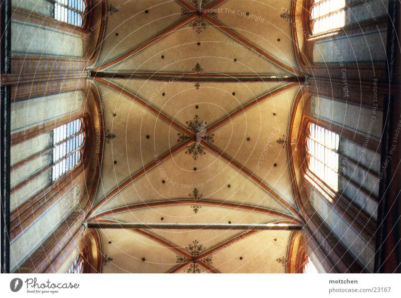 Gewölbeschiff Religion & Glaube Backstein Gottesdienst Gotteshäuser Arkaden