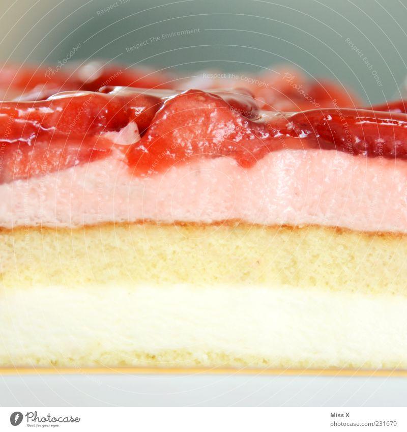 Kuchentag Ernährung Lebensmittel Frucht rosa frisch süß Teile u. Stücke lecker saftig Torte Erdbeeren Dessert Sahne Geschmackssinn