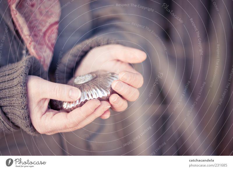 Mensch Hand schön feminin Glas Arme Finger Stern (Symbol) Dekoration & Verzierung Romantik weich festhalten Schutz silber Wert Accessoire