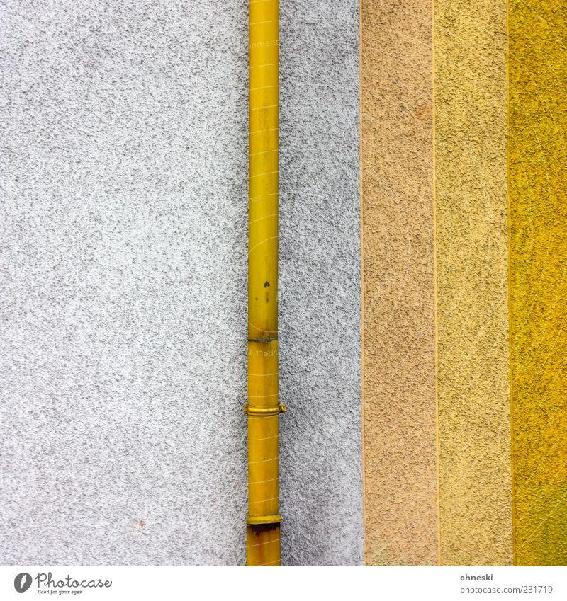Gestreift Haus gelb Wand Architektur Farbstoff Gebäude Mauer Fassade Bauwerk vertikal Rohrleitung Farbe Fallrohr Abstufung Regenrohr