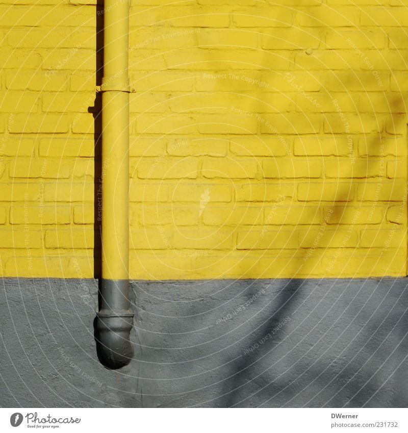 Fassade Haus gelb Wand Architektur grau Stein Stil Gebäude Mauer Bauwerk Backstein Schatten Dachrinne