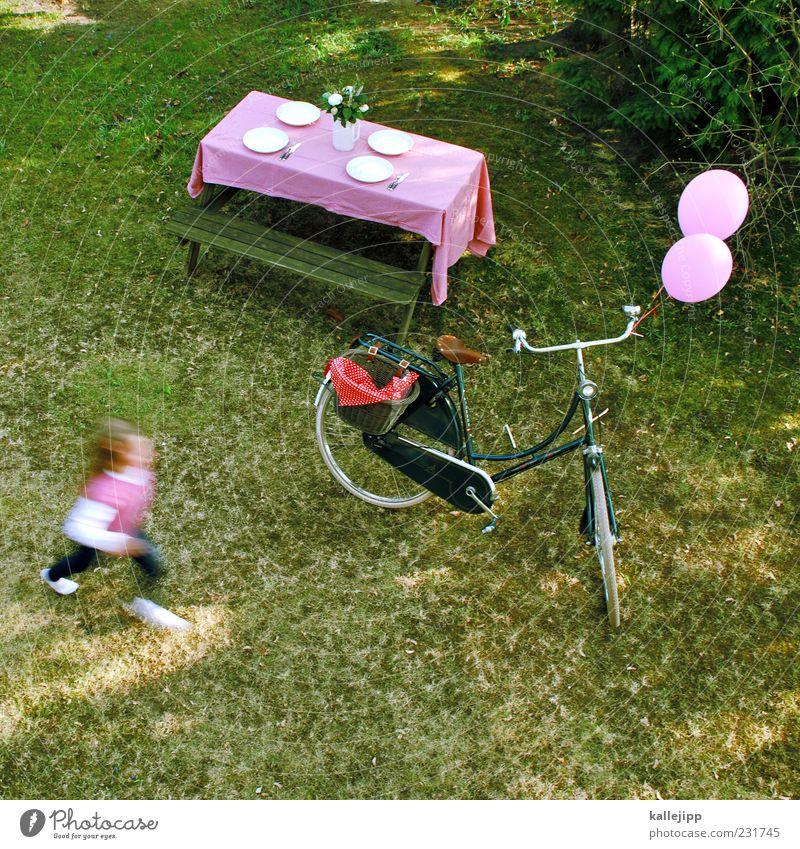 auszeit Mensch Kind Pflanze Mädchen Sommer Wiese Leben Spielen Garten Stil Kindheit Fahrrad Freizeit & Hobby rosa rennen Tisch