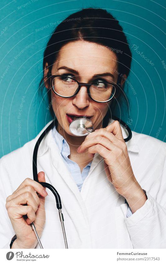 Female, friendly doctor fooling around with her stethoscope Arbeit & Erwerbstätigkeit Beruf Arzt feminin Junge Frau Jugendliche Erwachsene 1 Mensch 18-30 Jahre