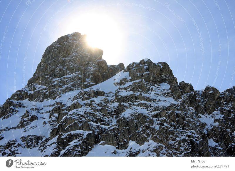 Mr.Big Umwelt Natur Landschaft Winter Klima Schönes Wetter Felsen Alpen Berge u. Gebirge Gipfel gigantisch Freiheit Einsamkeit Schneebedeckte Gipfel Wintertag