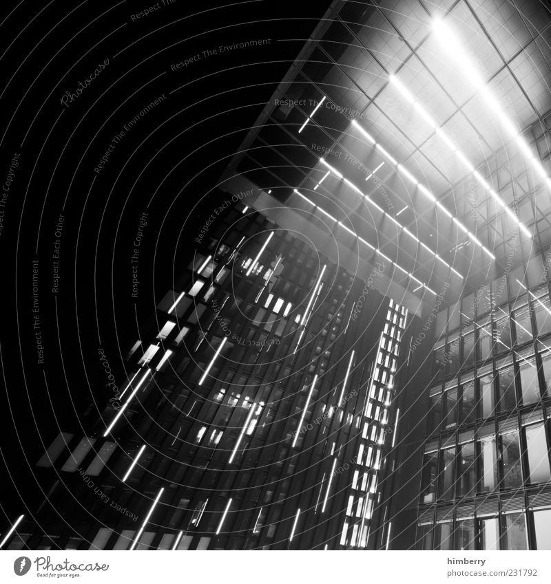 stargate Fenster Architektur Gebäude Beleuchtung Fassade Design modern Hochhaus trist Bauwerk Hauptstadt Düsseldorf Schwarzweißfoto Stadt