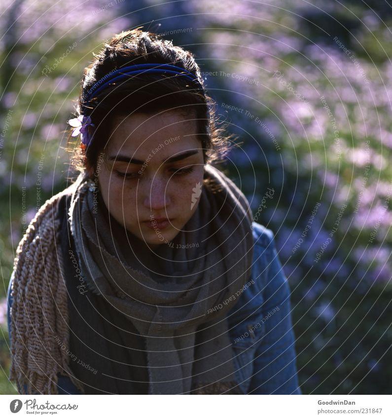 gone. Mensch feminin Junge Frau Jugendliche Erwachsene 1 Umwelt Natur Pflanze Blume Krokusse Park Wiese Bekleidung Jeansjacke Schal Haarreif Haare & Frisuren