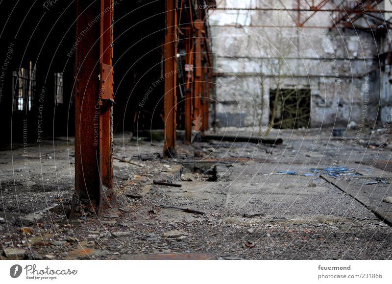 Urban Exploration alt Haus Wand Architektur Gebäude Mauer Raum außergewöhnlich Industrie Ende Bauwerk Fabrik verfallen Verfall Ruine Industrieanlage