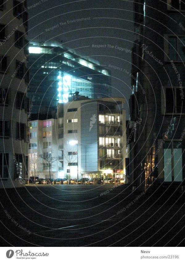 Stadt-Tor dunkel Architektur Düsseldorf Stadttor