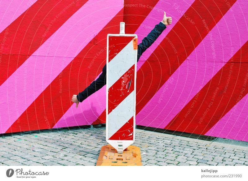 top oder flop? Mensch Mann Hand rot Erwachsene Leben rosa Schilder & Markierungen maskulin Finger Streifen gut Baustelle Zeichen diagonal verstecken