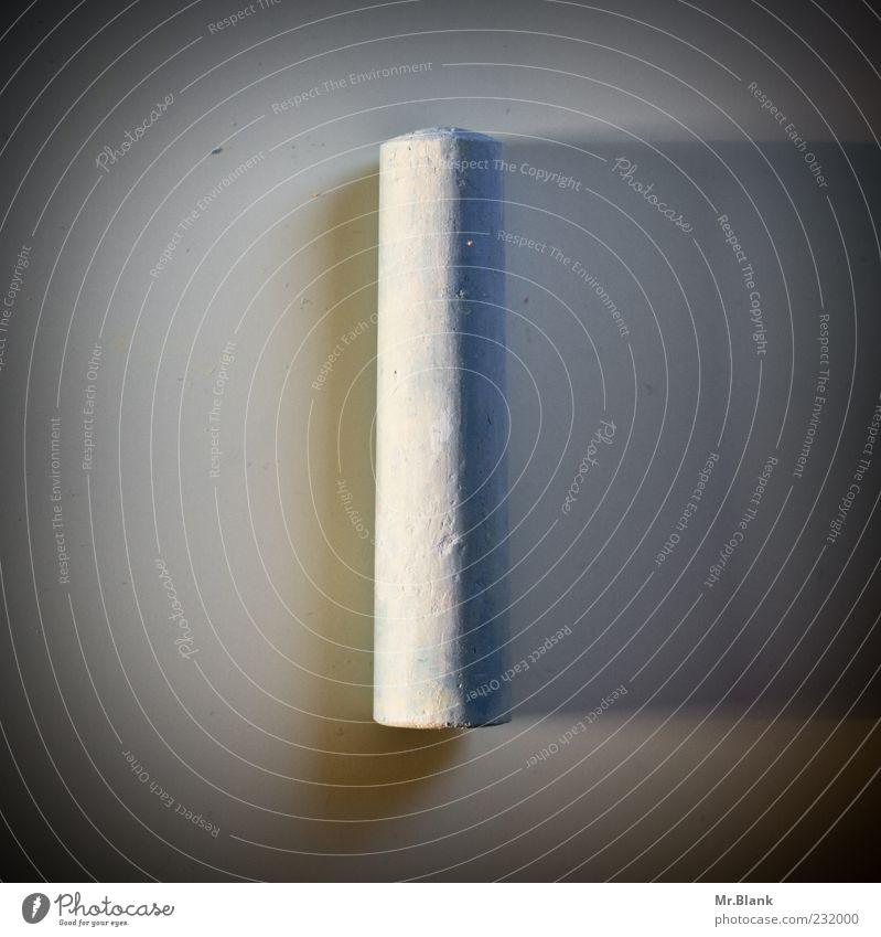 .ankreiden Kreide eckig grau weiß Symmetrie Strukturen & Formen Oberfläche Gedeckte Farben Innenaufnahme Menschenleer Textfreiraum links Textfreiraum rechts Tag