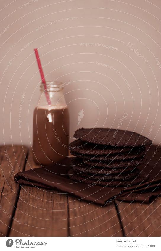 Schoko Lebensmittel Milcherzeugnisse Süßwaren Schokolade Ernährung Getränk Kakao lecker süß braun Foodfotografie Keks Milchflasche Plätzchen schokobraun