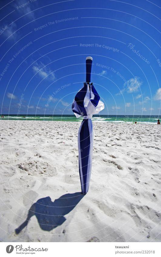 Wasser Himmel Sonne Meer blau Sommer Freude Strand Wolken gelb Sand Zufriedenheit hell Küste Wellen gold
