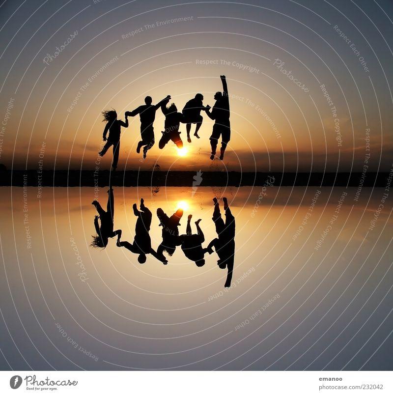 300/Yeah! Mensch Natur Jugendliche Wasser Sonne Ferien & Urlaub & Reisen Sommer Strand Freude Ferne Leben Gefühle Freiheit Bewegung Sand springen