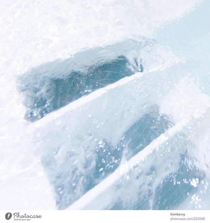 quellenangabe blau Wasser weiß kalt Bewegung Technik & Technologie Flüssigkeit Whirlpool Pumpe Schwimmbad Reflexion & Spiegelung Druckmaschine Wasserpumpe