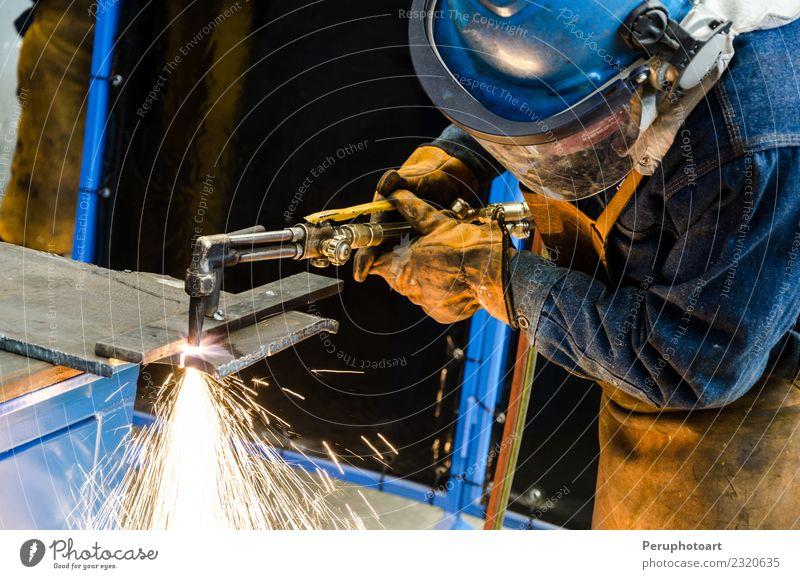 Mensch Mann Hand Erwachsene Gebäude Business Arbeit & Erwerbstätigkeit Metall Technik & Technologie Industrie Schutz Fabrik Stahl Werkzeug Mitarbeiter