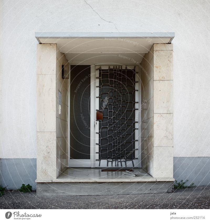 eingang Haus Architektur Gebäude Tür Fassade Sicherheit trist Bauwerk Schutz Eingang Hauseingang Eingangstür