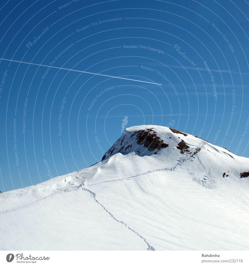 long way to the top Natur Winter Ferne Schnee Landschaft Berge u. Gebirge Freizeit & Hobby Alpen Spuren Gipfel Schönes Wetter Wolkenloser Himmel Schneebedeckte Gipfel Winterurlaub Kondensstreifen Schneespur