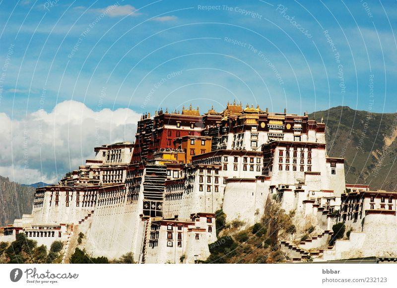 alt Himmel weiß blau rot Winter Ferien & Urlaub & Reisen gelb Gebäude Religion & Glaube Architektur Asien Kultur China Burg oder Schloss Symbole & Metaphern